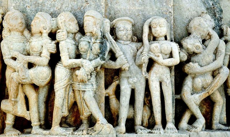 Bas relief indien, Ranakpur. Scène érotique